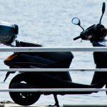 自動車と軽自動車と原付バイクの所有に掛かる年間維持費の比較